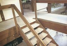лестница ограждения материал стиль интерьер дерево металл камень перила стекло керамика комбинация интерьер стиль облицовка мрамор гранит