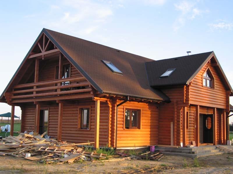 дереянный дом материал оцилиндрованное бревно профилированный брус клееный брус ручная рубка долговечность экологичность древесина теплоизоляция герметизация влажность сушка усадка отделка